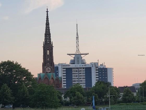 Blick auf eine Kirche